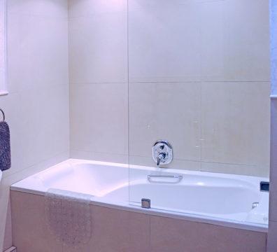 Century City Collection - Majorca 306 Bathroom